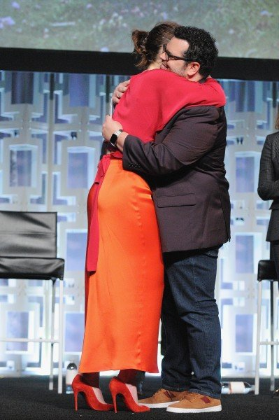 """Oscar Isaac Reflects On His """"Intense"""" Scene With Carrie Fisher Ahead Of Star Wars: The Last Jedi"""