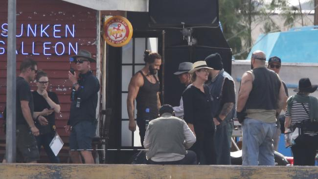Another Helping Of Aquaman Set Photos Features Amnesty Bay And Momoa's Stunt Double
