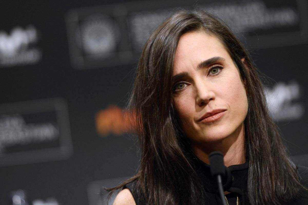 TNT's Snowpiercer Pilot Adds Jennifer Connelly As The Voice Of The Train