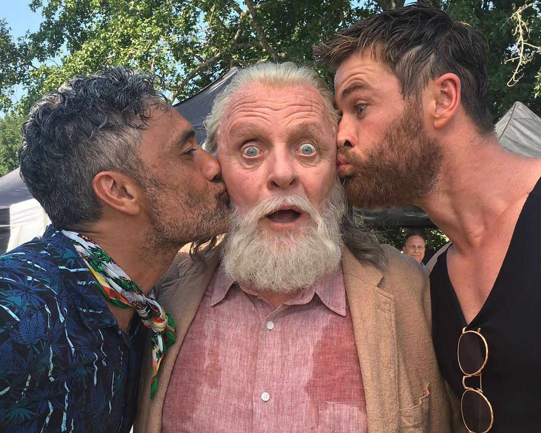 Thor: Ragnarok Director Shares Awesome Behind The Scenes Photo