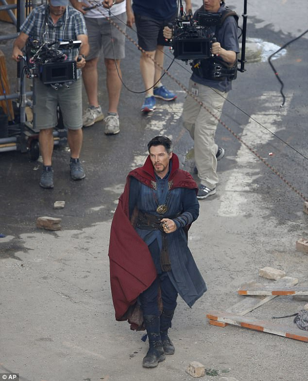 The Sorcerer Supreme Headlines Latest Set Snaps From Avengers: Infinity War