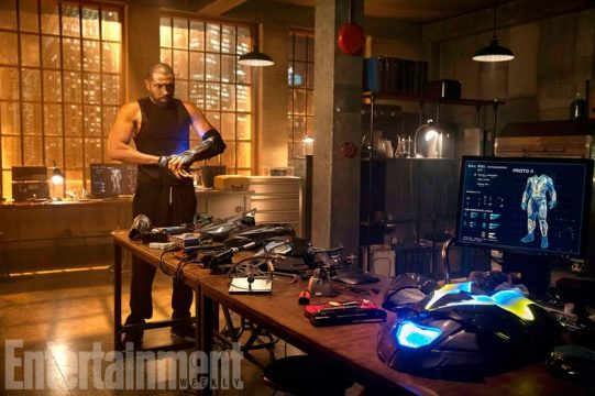 Black Lightning Builds His Suit In New Image From Pilot Episode