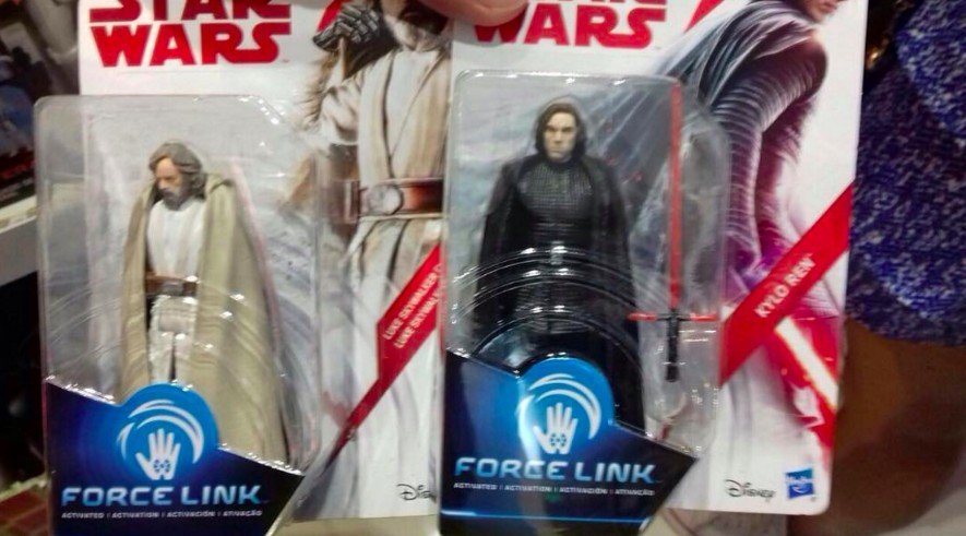 New Star Wars: The Last Jedi Figures Suggest Kylo May Ditch His Helmet