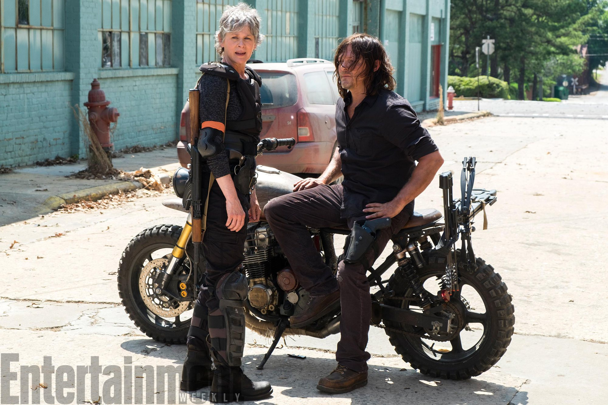 First Photo For The Walking Dead Season 8 Places Daryl And Carol On The War Path