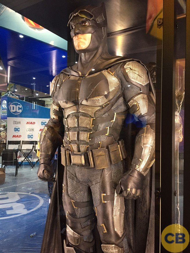 Justice League Costumes And Mother Boxes Revealed At SDCC