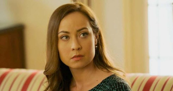 Courtney Ford Set to Play Villain in Legends of Tomorrow Season Three