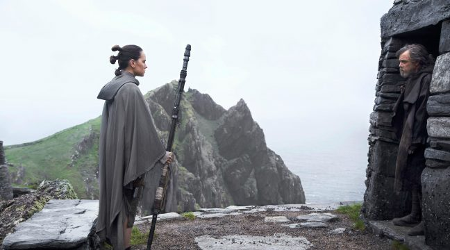 Rey's First Encounter With Luke In Star Wars: The Last Jedi Will Be A Tense, Steely Affair