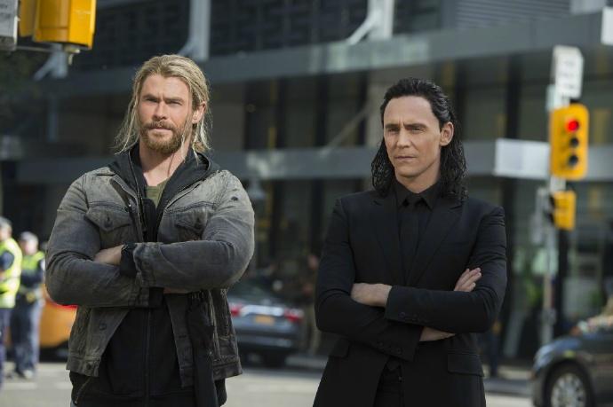Thor And Hulk Do Battle In Epic New Ragnarok TV Spot