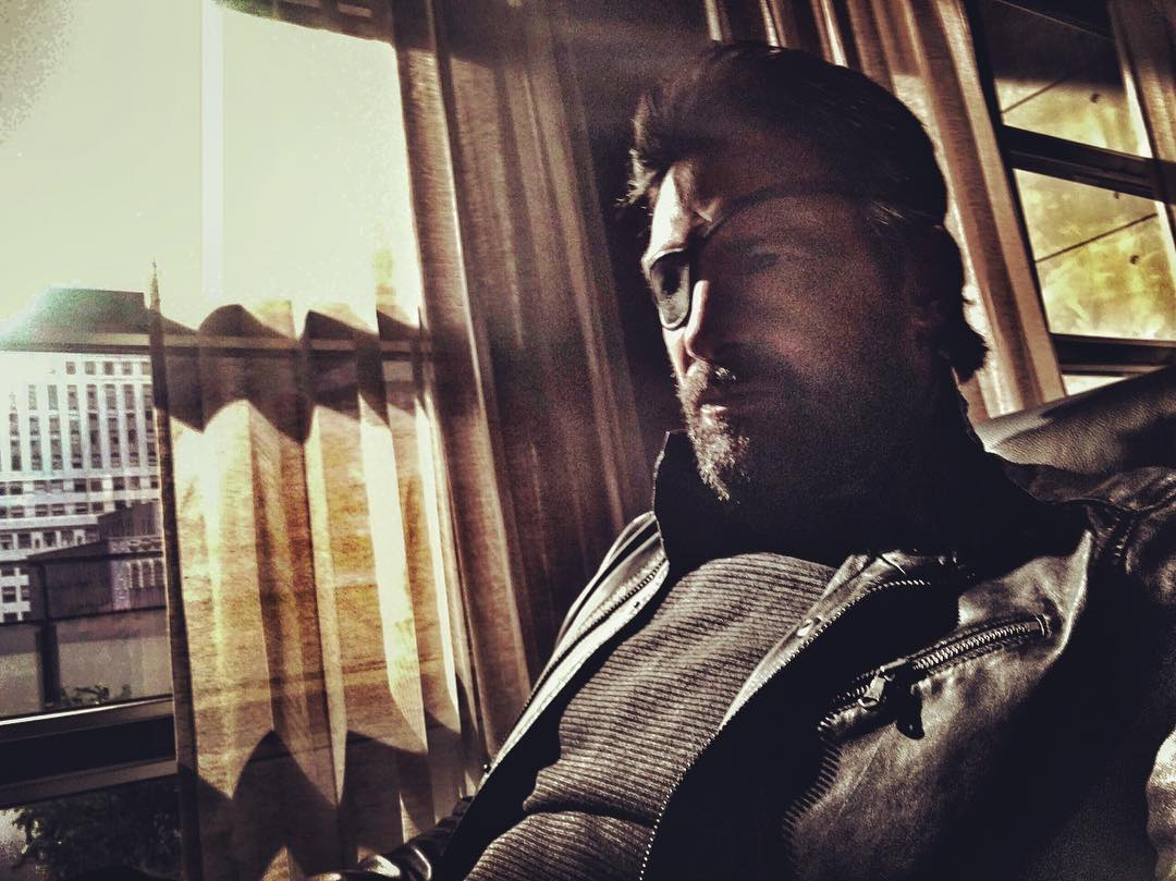 Manu Bennett Teases Deathstroke's Return To Arrow With New Image