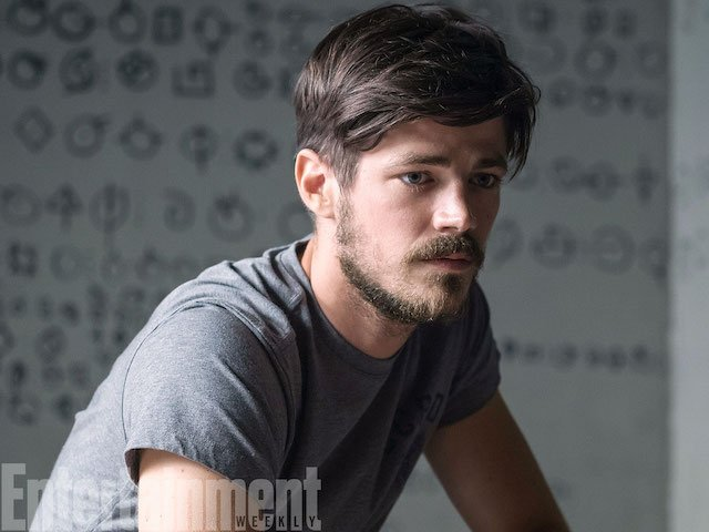 Barry Allen Rocks A Beard In This New Photo From The Flash Season 4