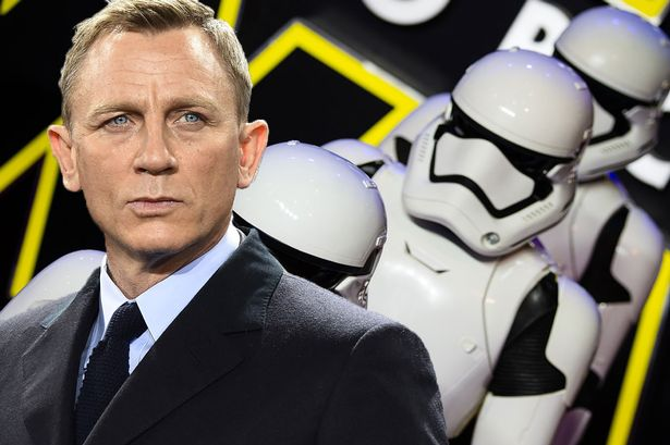 Daniel Craig Reveals How He Got His Cameo In Star Wars: The Force Awakens