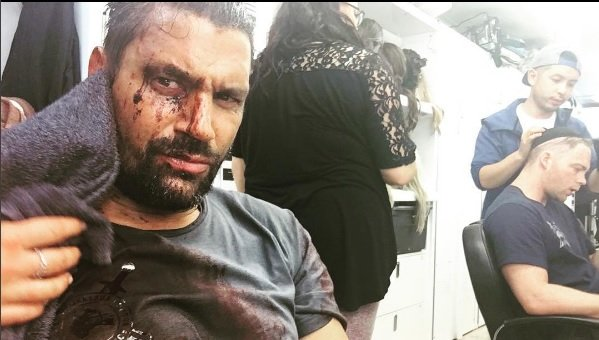 Arrow's Manu Bennett Teases Bloody Return For Deathstroke With New Image