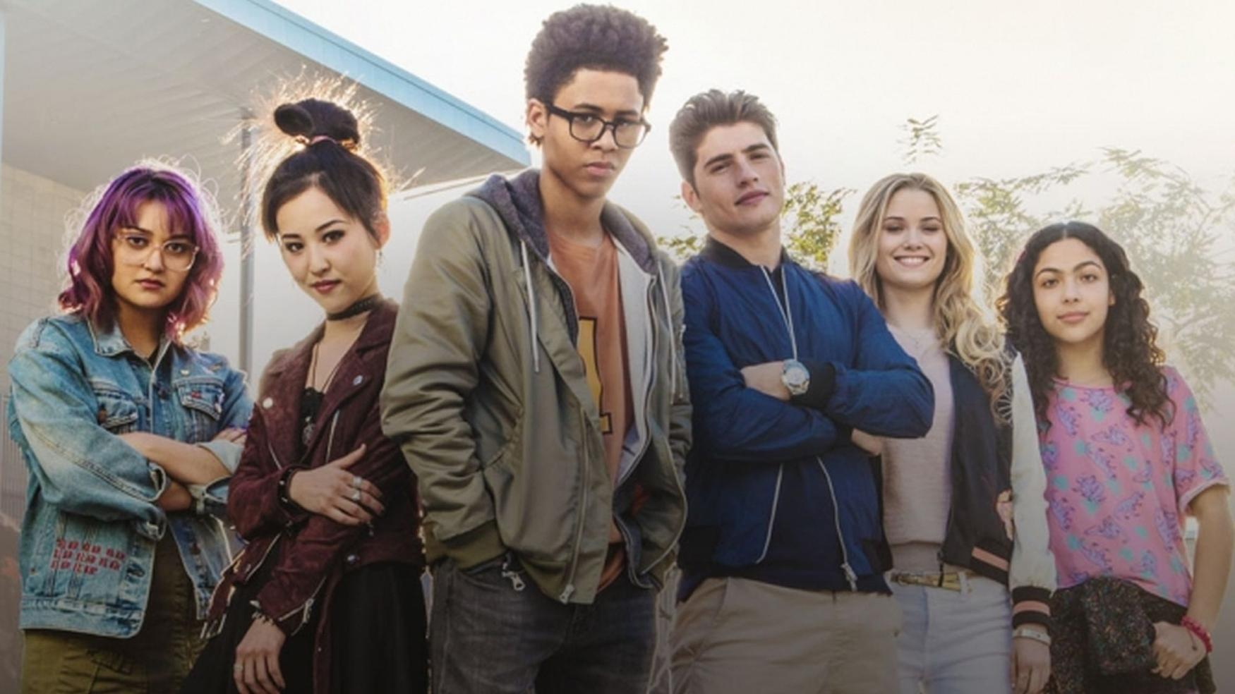 New 'Marvel's Runaways' Photos Spotlight The Cast Of Young Heroes