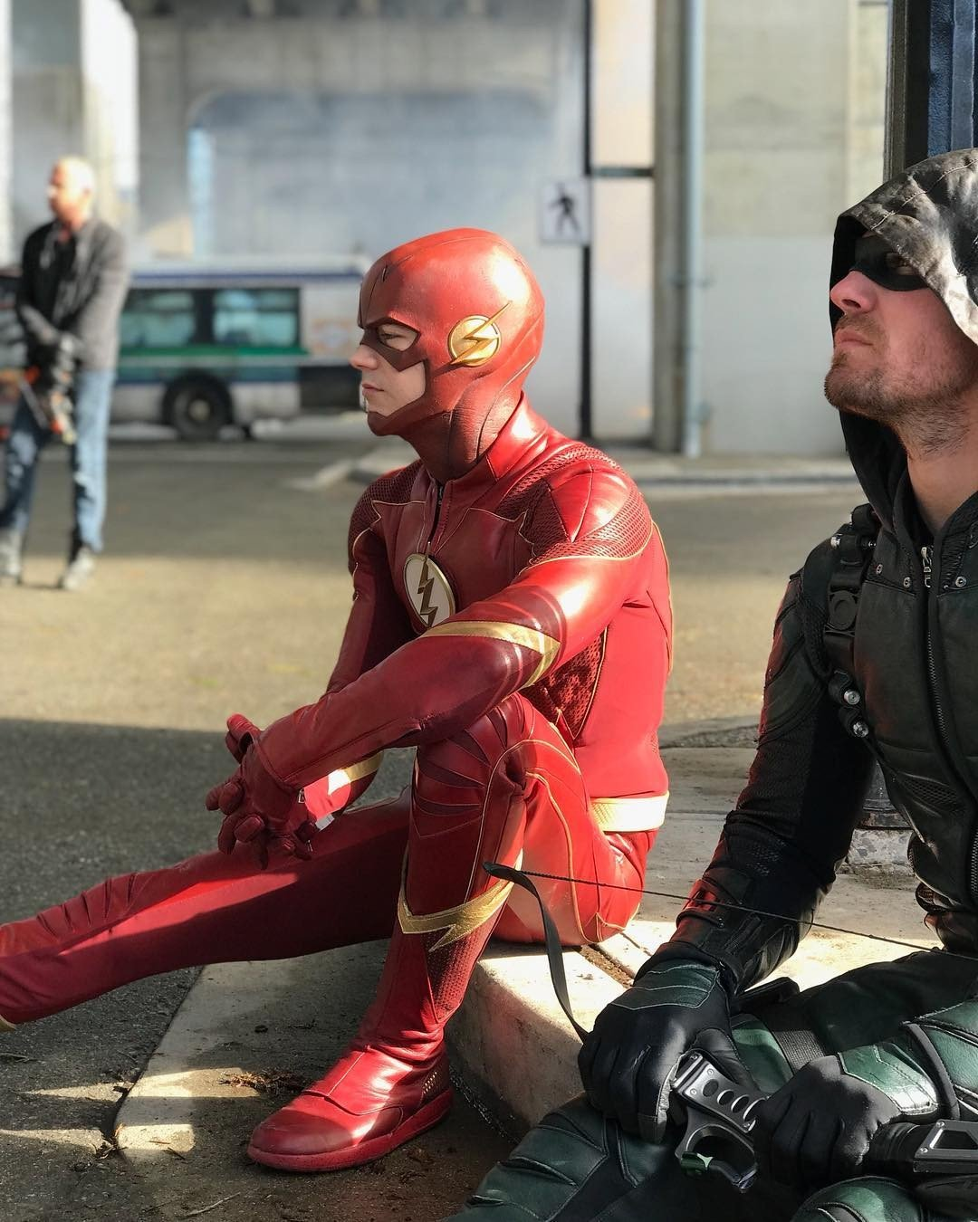 Stephen Amell Shares Behind The Scenes Photo From Arrowverse Crossover