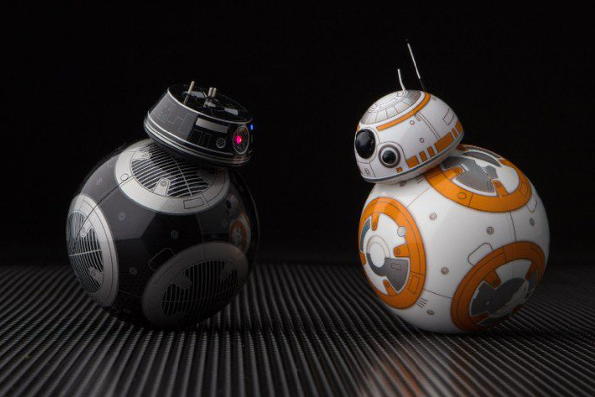 BB-8 Will Cross Paths With His Evil Doppelgänger In Star Wars: The Last Jedi