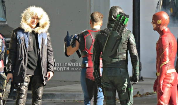 Captain Cold Returns In New Arrowverse Crossover Set Photo