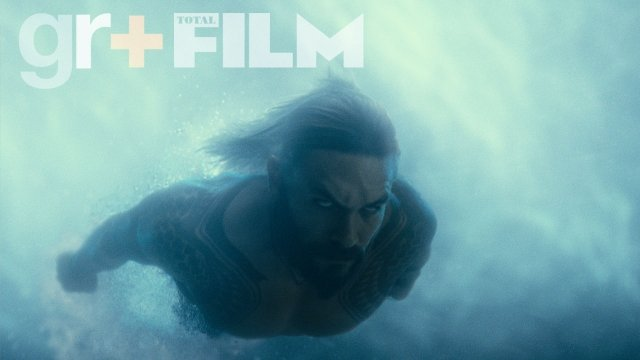 Aquaman Plunges Beneath The Waves In All-New Action Shot For Justice League