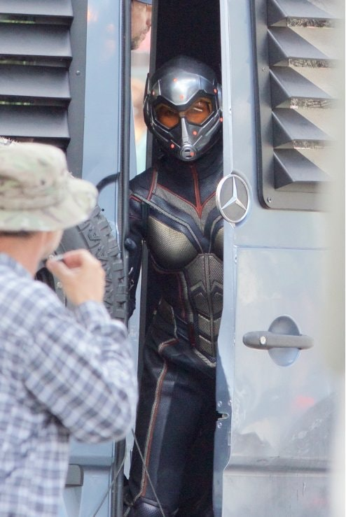 Another Pic From The Ant-Man And The Wasp Set Spotlights Hope Van Dyne