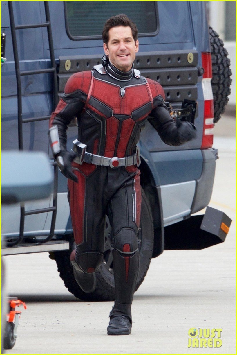 Paul Rudd Goes On The Run In New Ant-Man And The Wasp Set Pics