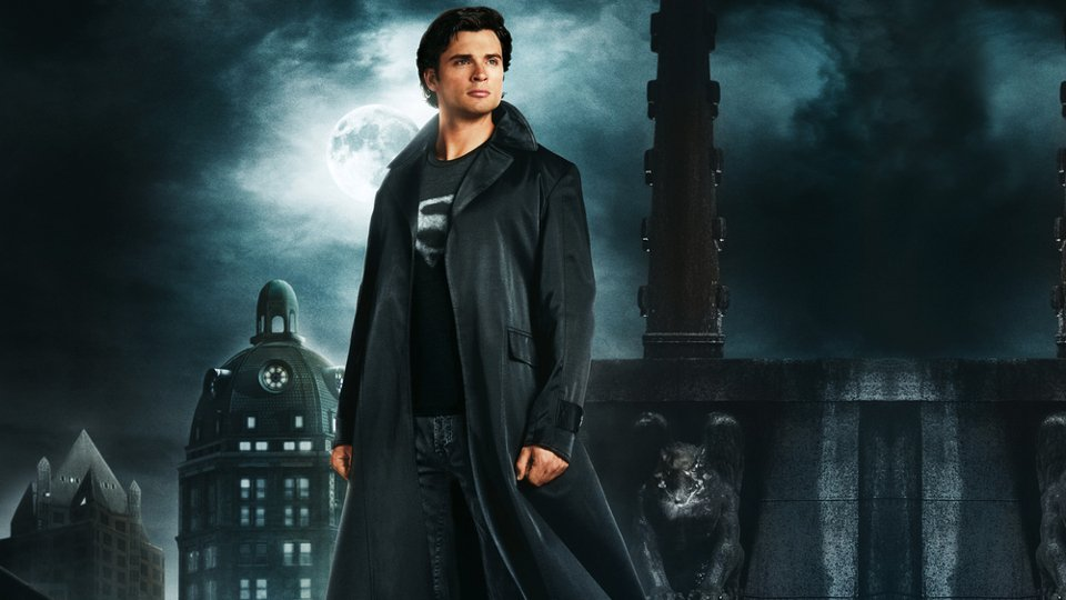 Tom Welling Defends Not Wearing Superman Suit In Smallville