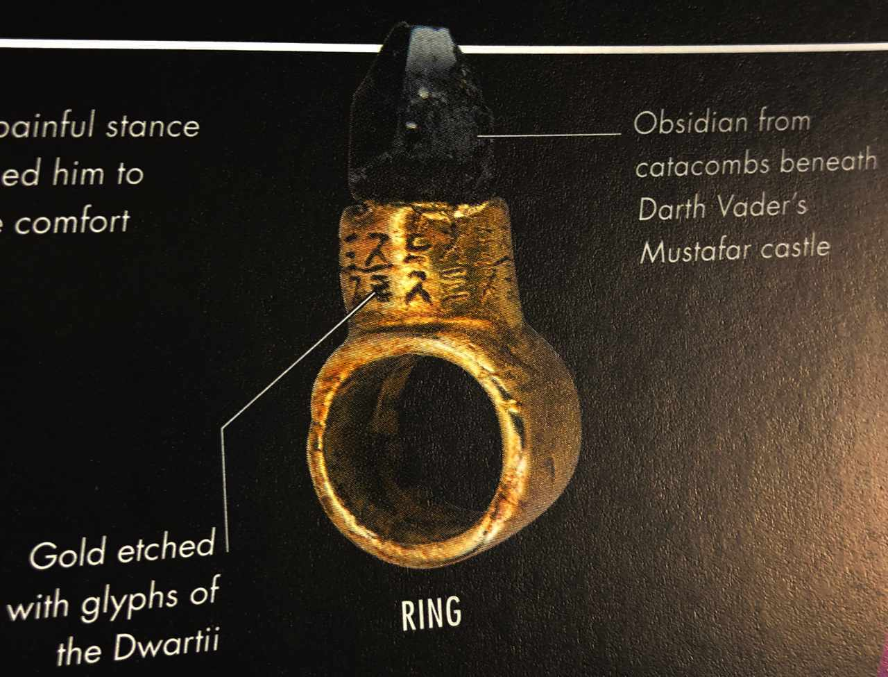 Snoke's Obsidian Ring In Star Wars: The Last Jedi Holds A Connection To Darth Vader