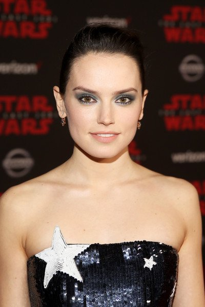 Star Wars: Daisy Ridley Cools Talk Of Rey/Poe Romance Ahead Of Episode IX