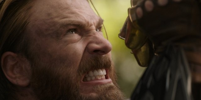 Avengers-Infinity-War-Captain-America-Grits-Teeth-vs-Thanos