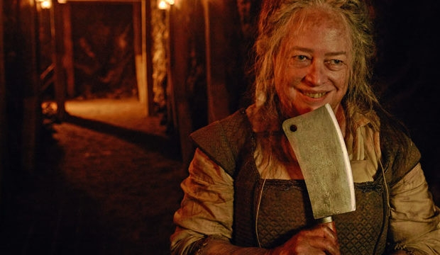 american-horror-story-6-roanoke-cast-photos-kathy-bates-620x360