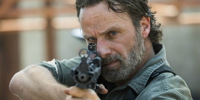 the-walking-dead-group-andrew-lincoln-700x380