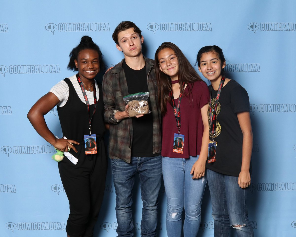 Marvel fans troll infinity wars tom holland in the best possible way more from the web m4hsunfo