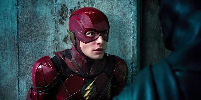 Ezra-Miller-as-the-Flash-in-Justice-League-copy