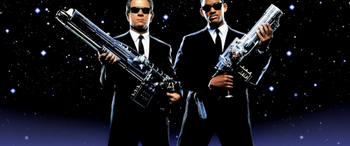 Chris Hemsworth Shares New Men In Black Photos As Filming Wraps