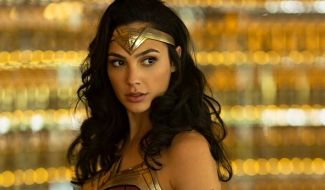 Leaked Wonder Woman 1984 Photo Shows Off Diana's New Costume