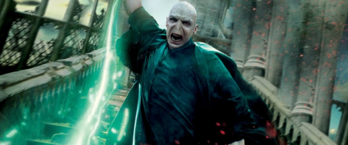 Wild Fantastic Beasts Theory Suggests Credence Is Really Lord Voldemort