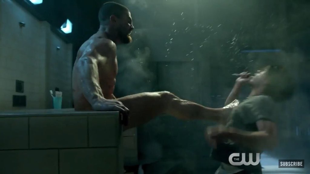 Stephen Amell Shares New Photo From Arrows Nude Prison Fight