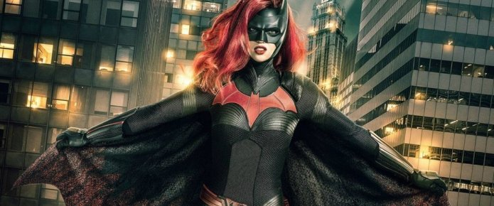 Legends Of Tomorrow Star Is Hyped To See Batwoman In The Arrowverse