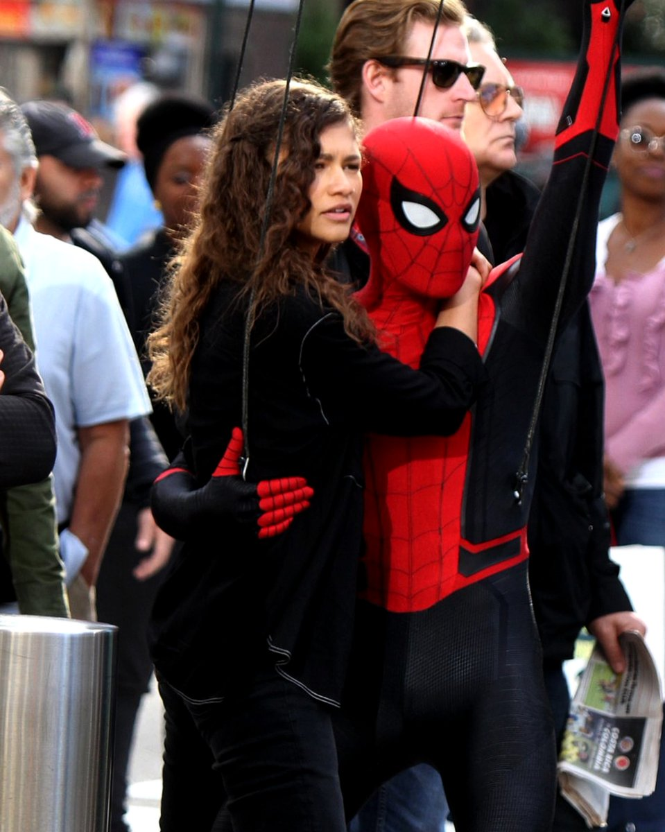 Tom Holland debuts shiny new Spider-Man suit on Jimmy Kimmel