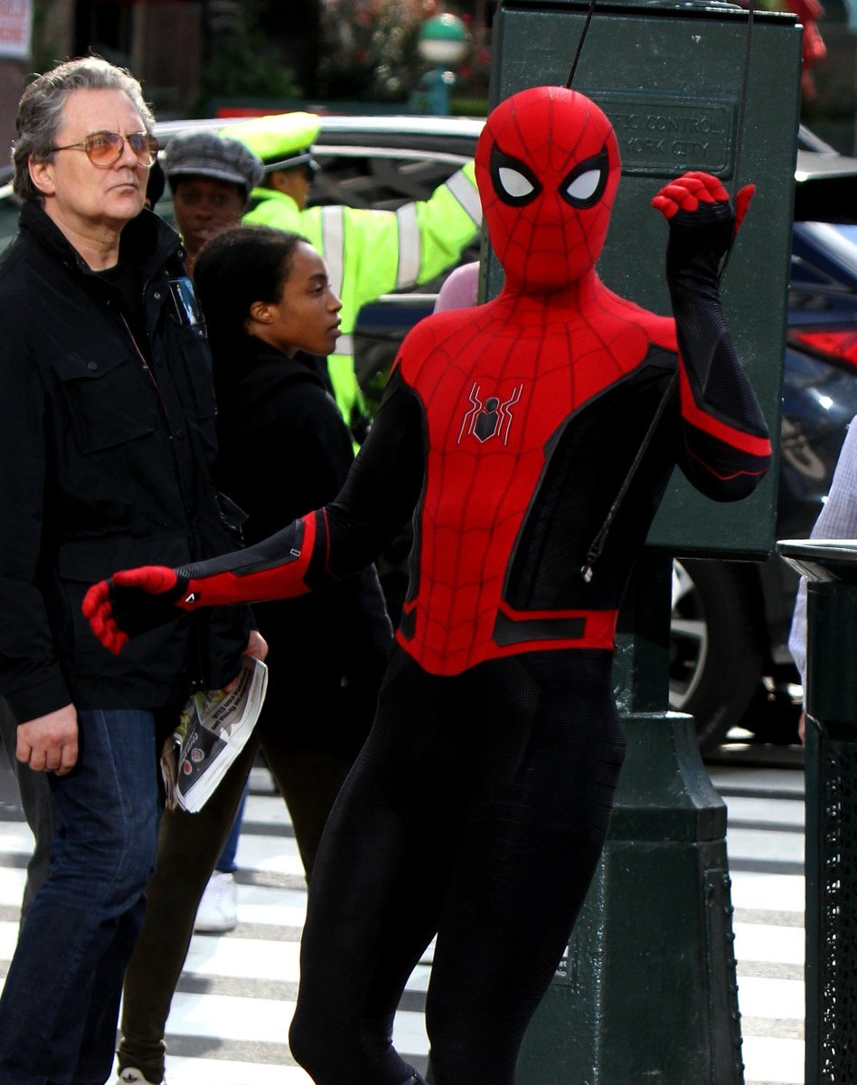 Here's Our Best Look Yet At Tom Holland's New SPIDER-MAN Suit
