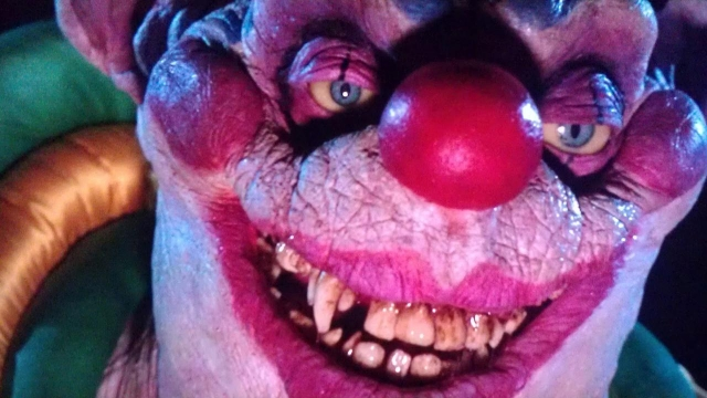 killer-klowns-from-outer-space-1