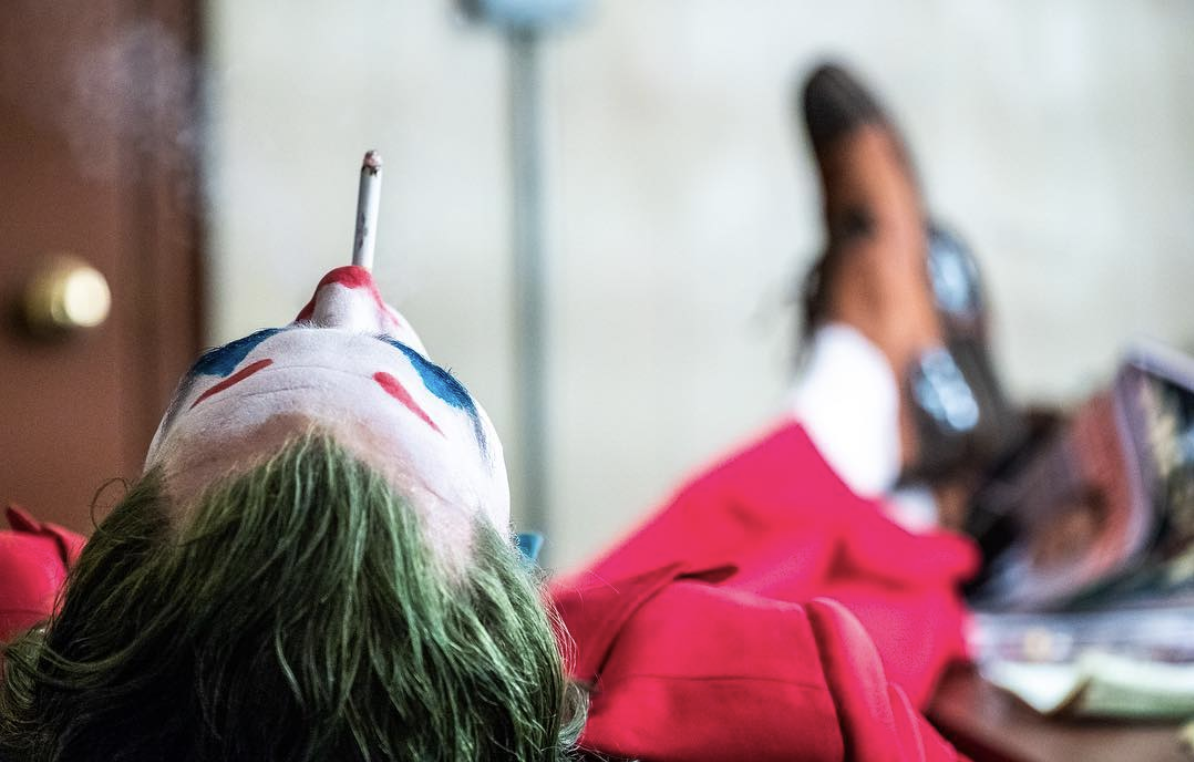 Joker - Joaquin Phoenix - smoke break