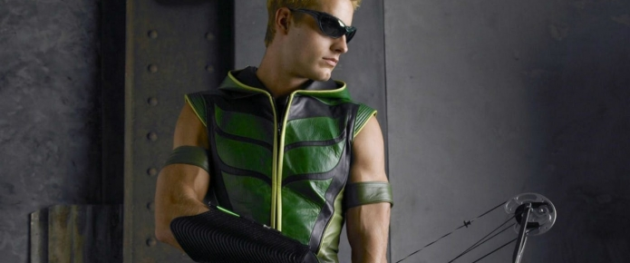 Elseworlds Producer Confirms Nod To Smallville's Green Arrow