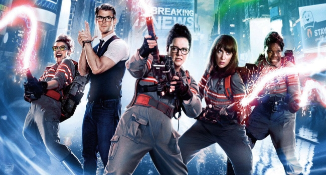 Ghostbusters Reboot Director Supports Leslie Jones Slamming The New Movie