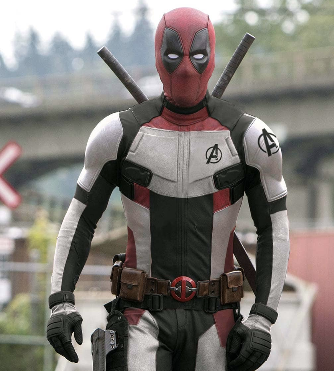 Deadpool-Avengers-suit.png