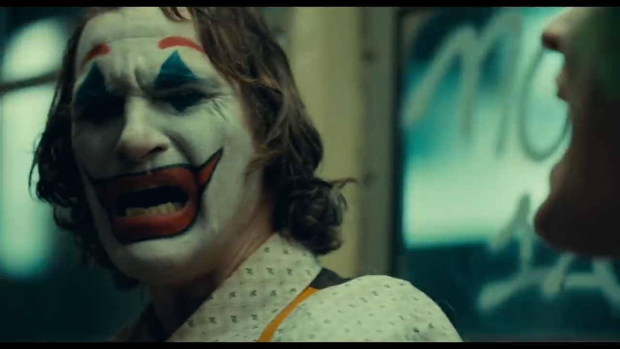 af7d2fefb Joker Trailer Has Batman Fans Comparing Joaquin Phoenix To Heath Ledger
