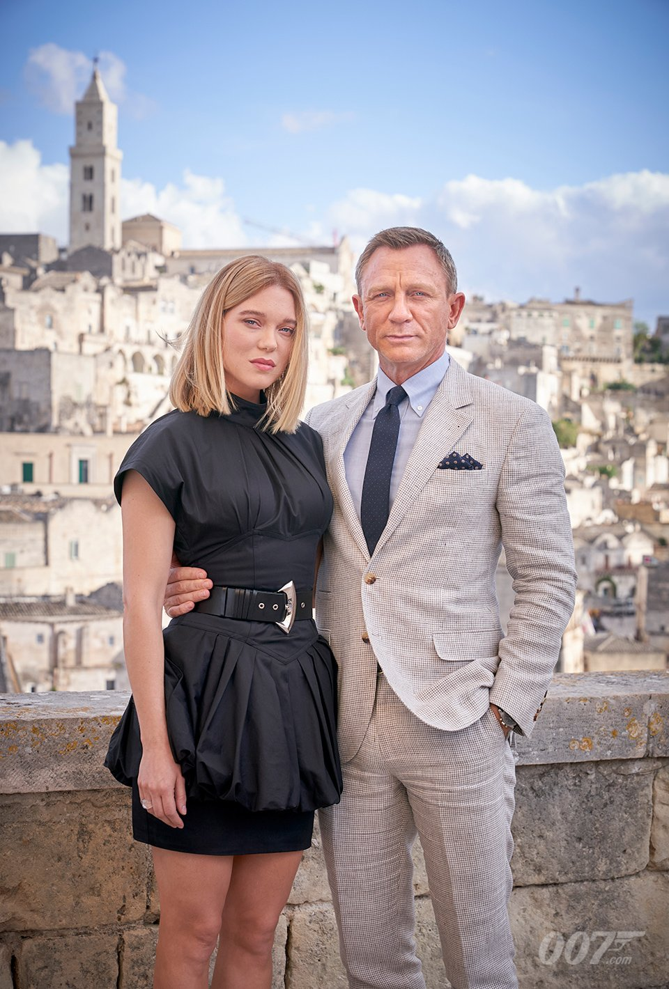 Bond S Back In First No Time To Die Teaser Trailer