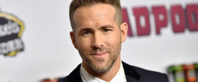Watch Ryan Reynolds Narrowly Escape Being Crushed As Stage Barrier Collapses