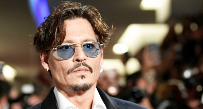 Johnny Depp Reportedly In Talks To Play Gomez In Tim Burton's Addams Family Show