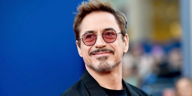Robert-Downey-Jr-Premiere