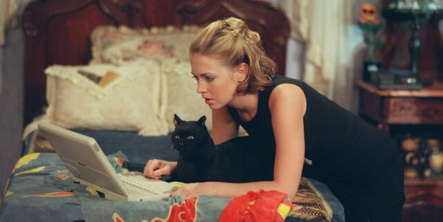 Sabrina The Teenage Witch Star Melissa Joan Hart Has COVID-19 — Blames Mask Rules At Child's School