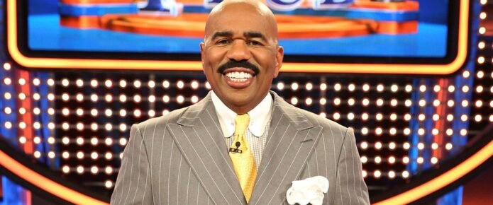 Steve Harvey Posts Pic In Wild Outfit And Internet Responds Accordingly